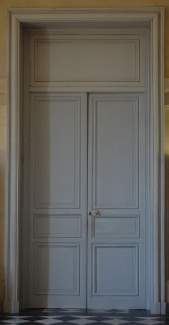 Habitually Chic®: Revisiting Versailles Door detail . . . simply lovely