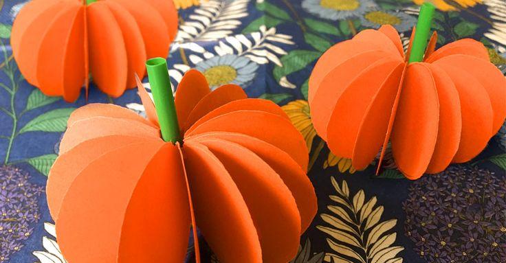 Pumpa av papper! Pyssla en läskigt söt dekoration till halloween