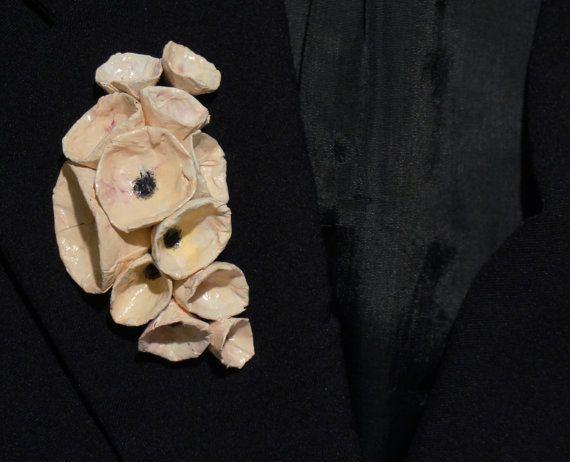 Spilla fiori rosa fatto a mano in cartapesta a bouquet - gioielli effetto ceramica, elegante, idea regalo per lei, spedizione GRATIS
