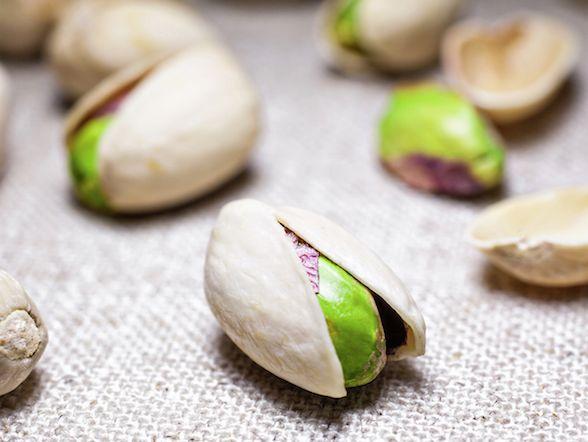 Il 26 febbraio è il World Pistachio Day: festeggiamo con tre piatti facili da mettere in tavola e i consigli nutrizionali del dietologo
