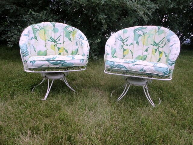 2 Mid Century Modern Homecrest Vintage Lawn Patio Wire Metal Swivel Chairs H
