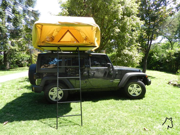 Jeep Wrangler Unlimited with Rooftop-tent