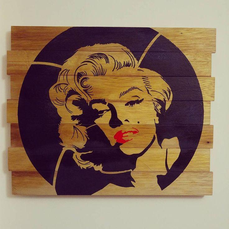 İreko ağacı üzeri siyah ve kırmızı akrilik boya ile figür çalışması. #marilynmonroe #marilyn #monroe #ahsaptablo #ahsapboyama #ahşap #hobi #hobie #wooden #woods #wood #ireko #ağaç #dekoratiftablo #tablo #evdekorasyonu #siyah #kirmizi #vintage http://turkrazzi.com/ipost/1525616376873748054/?code=BUsFAL_FAZW