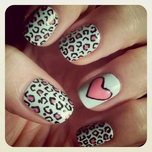 Leopard heart nails