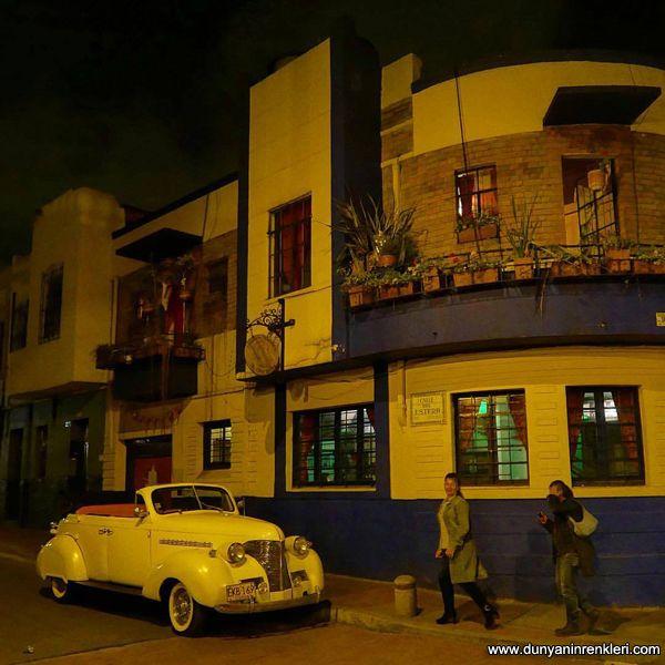 Bogota'nın yolları taştan, Dünyanın Renkleri çıkardı hepimizi baştan diye bir uzun hava söyleyerek, 15 gün sürecek Kolombiya'dan yayına başladık.