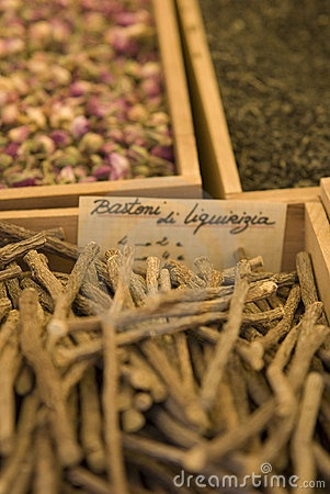 Oriental spices on a market by Alexandre Dvihally, via Dreamstime