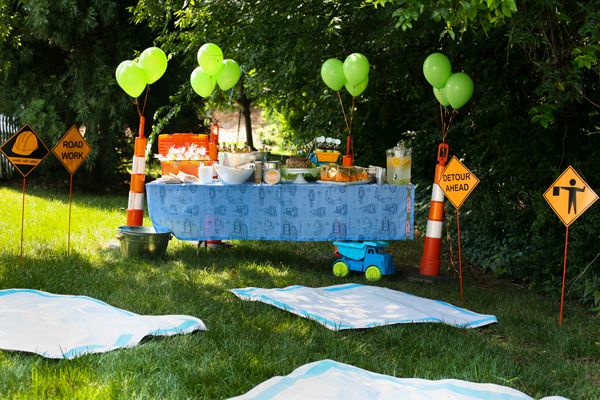 "adorable ""construction"" themed birthday party for a little boy"