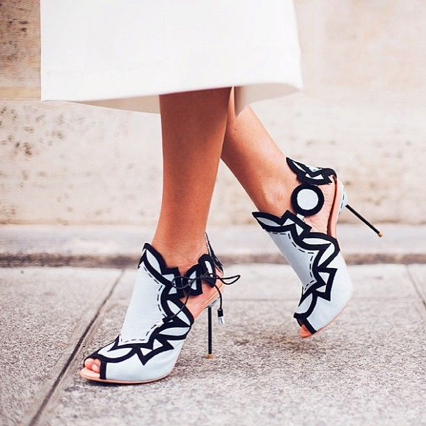 These black and white peep toe heels are so unique! If you like my pins, please follow me and subscribe to my new fashion channel! Let me help u find all the things that u love from Pinterest! https://www.youtube.com/watch?v=XSiQP5OFjXE&list=UUCP8TXebOqQ_n_ouQfAfuXw