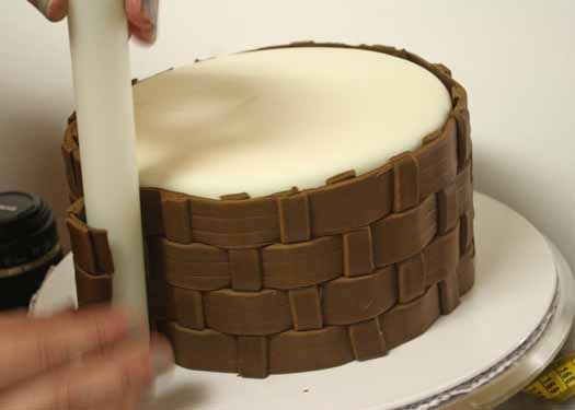 How to Make Fondant Basketweave