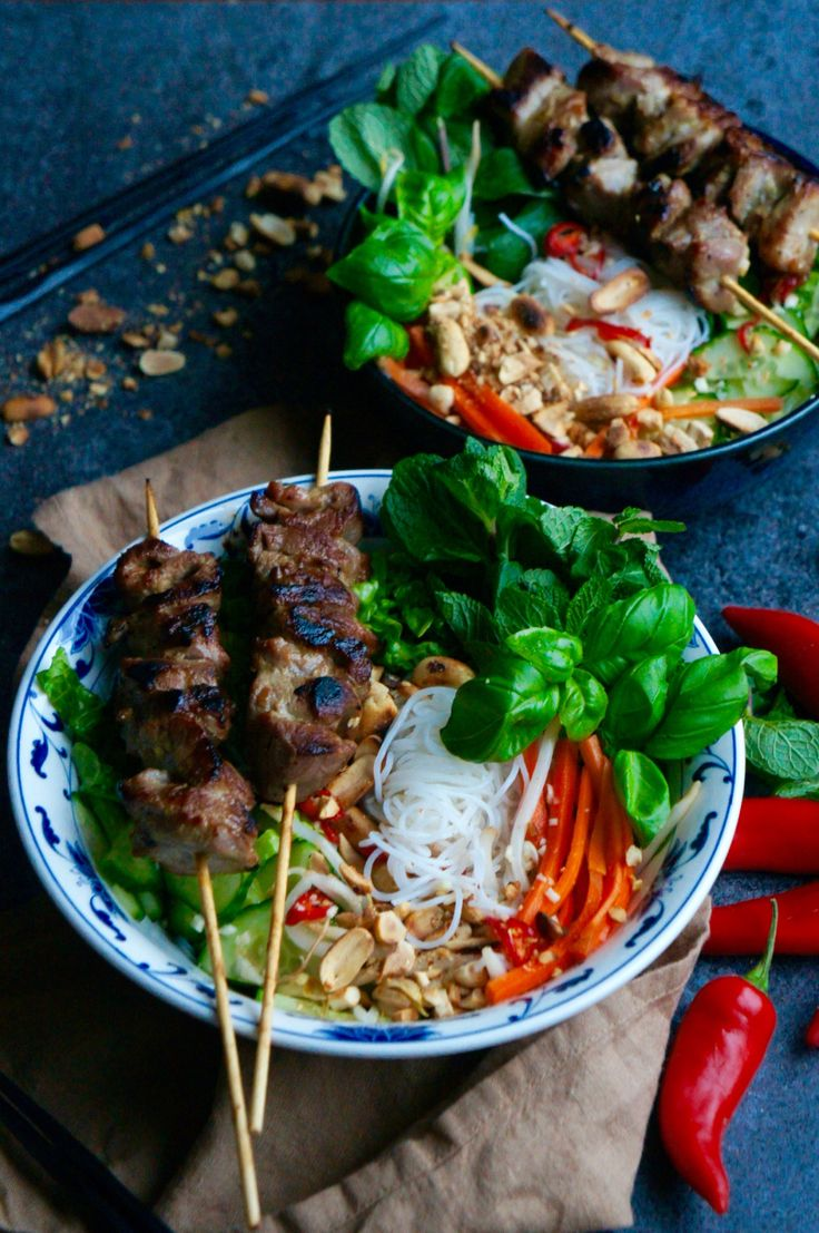 Vietnamese vermicelli noodle salad with pork skewers / Bun thit nuong – Notes of Bacon