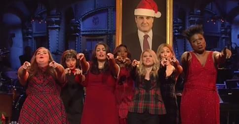 SNL chicks sing twisted \u0027All I want for Christmas is Mueller\u2026 or a
