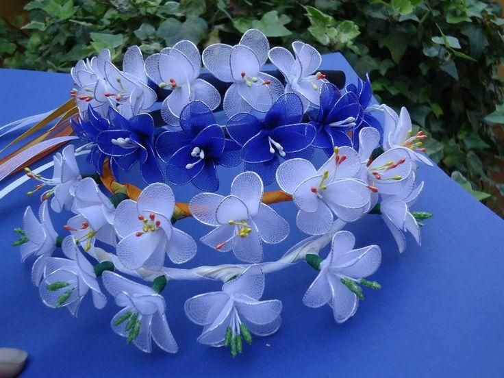 Diademi fatti a mano con fiori colorati in filanca setata, raso e tulle per cerimonie e occorrenze speciali