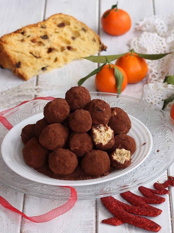 I tartufini di panettone sono deliziosi dolcetti di Natale senza cottura che si preparano in pochissimi minuti. Perfetti per riutilizzare il panettone.