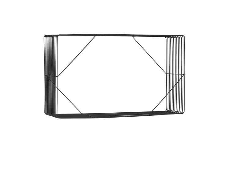 Wire Wall är en trendig och lätt förvaringslösning. Den kan användas ensam eller flera tillsammans för en mer lekfull look.