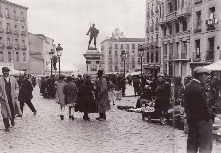 Domingo, día de Rastro. Así lucía este sitio en 1935...