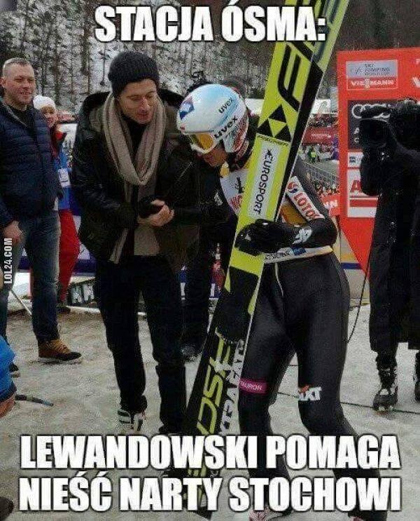 Lewandowski pomaga Stochowi #RobertLewandowski #Stoch #stacja #ósma #narty