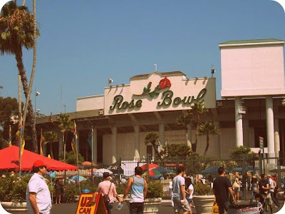 74. i swing by the pasadena rose bowl just in time to park my vespa and walk through the world famous swap meet! #ridecolorfully