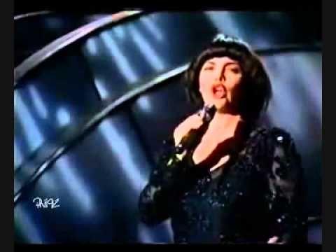 MIREILLE MATHIEU - NON JE NE REGRETTE RIEN (1986) - YouTube