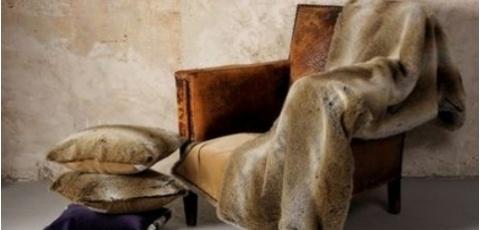 Llega el frío y no queremos que os pille desprevenidos, por eso The Outlet Room selecciona una colección de mantas y cojines para vosotros en piel y piel sintética
