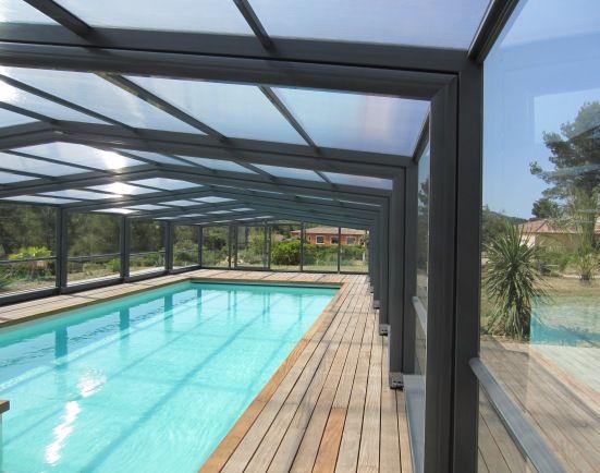 Best 25 pool enclosures ideas on pinterest swimming for Abri piscine telescopique