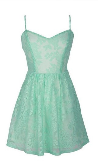 2 of my fav things mint and lace. this is so simple and it could be paired with so many things... the possibilities are endless