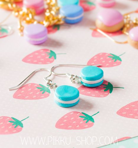 Turquoise Macaron Earrings from Pikku Shop | www.pikku-shop.com | #macaron #earrings #kawaii #cute #polymerclay #fimo