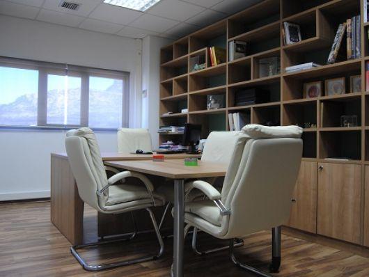 Διακόσμηση κτιρίου γραφείων http://www.remake-diakosmisi.gr