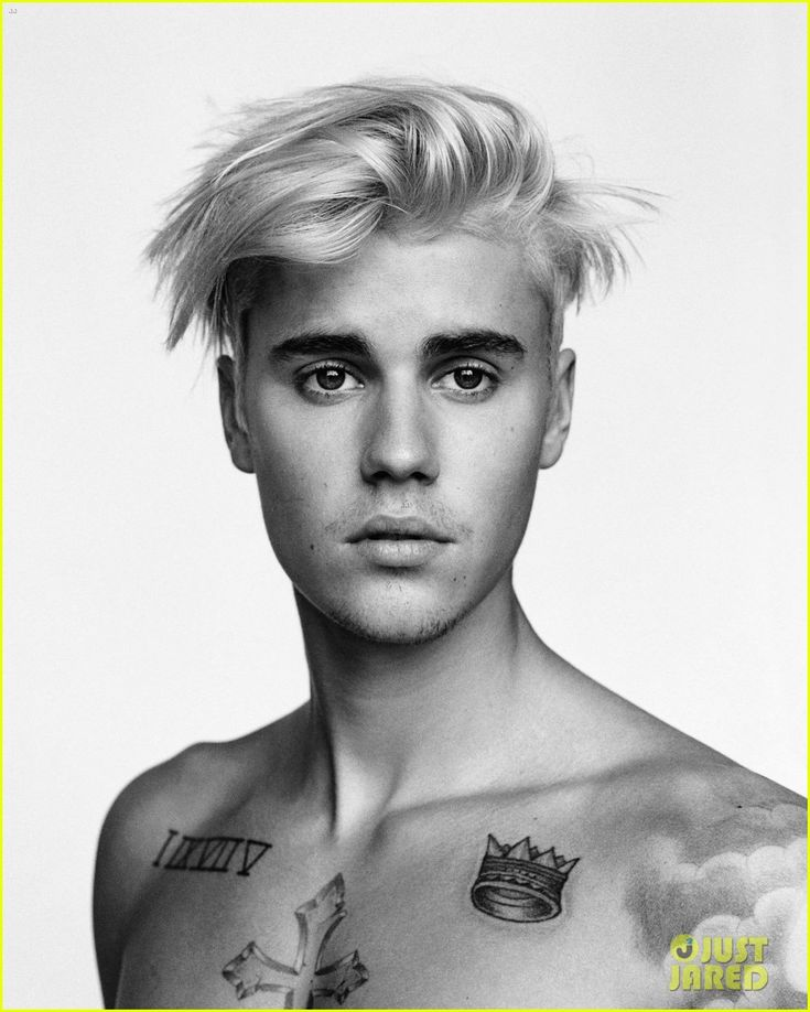 Justin Bieber Wanted to Hold on to His Relationship With Selena Gomez: Photo #892537. Justin Bieber gives the camera a little wink for the latest cover of i-D magazine.    The 21-year-old