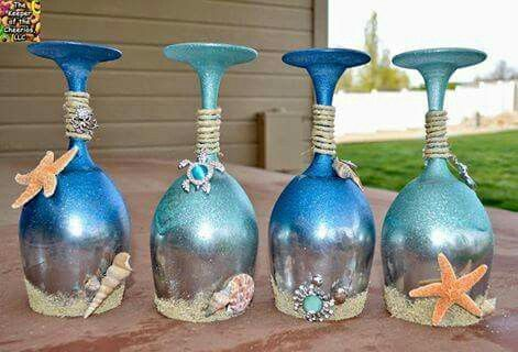 These would look pretty on a shelf - beachy decór