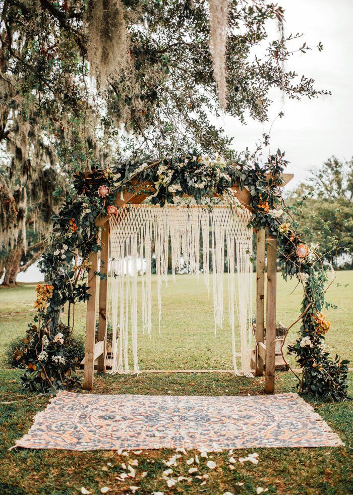 Naturally Whimsical Florida Wedding At Sydonie Mansion Junebug Weddings Boho Wedding Arch Bohemian Wedding Decorations Bohemian Wedding Arch