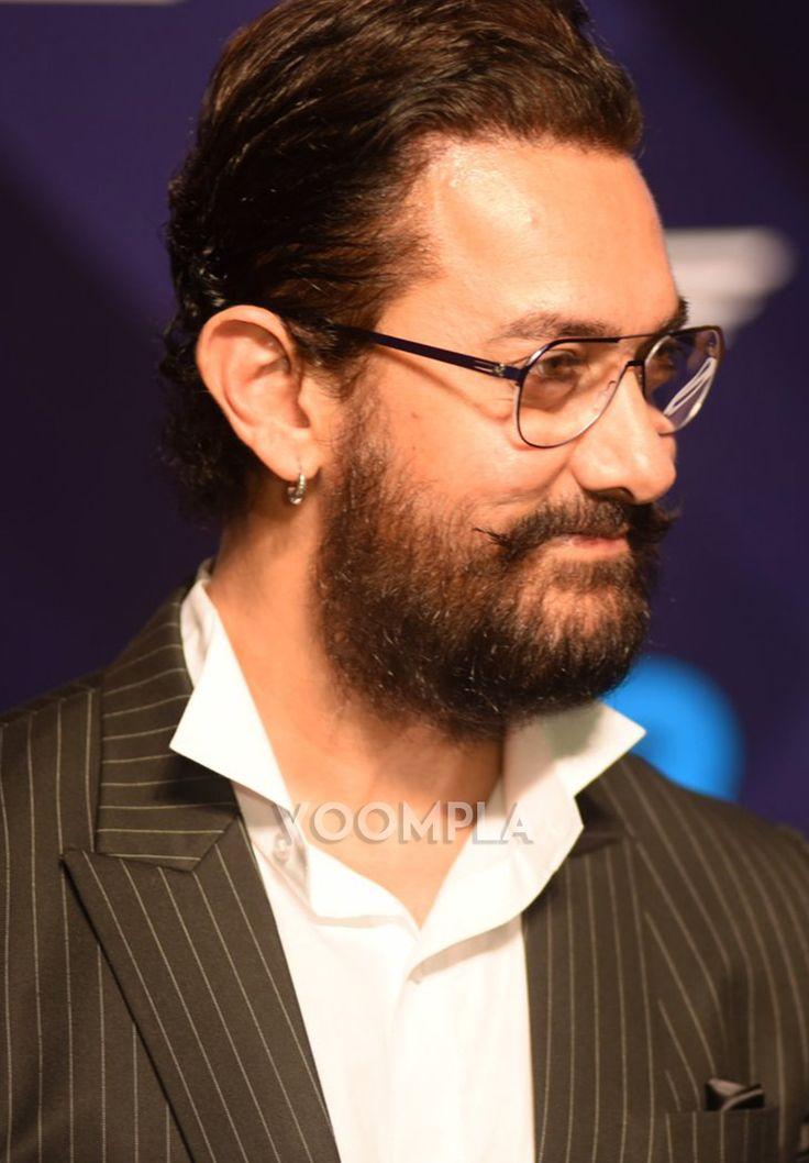 Candid pic of Aamir Khan! Click Here >> Voompla.com