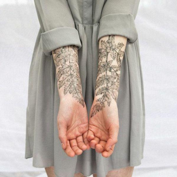 moderne ideen für unterarm tattoo frau pflanzen