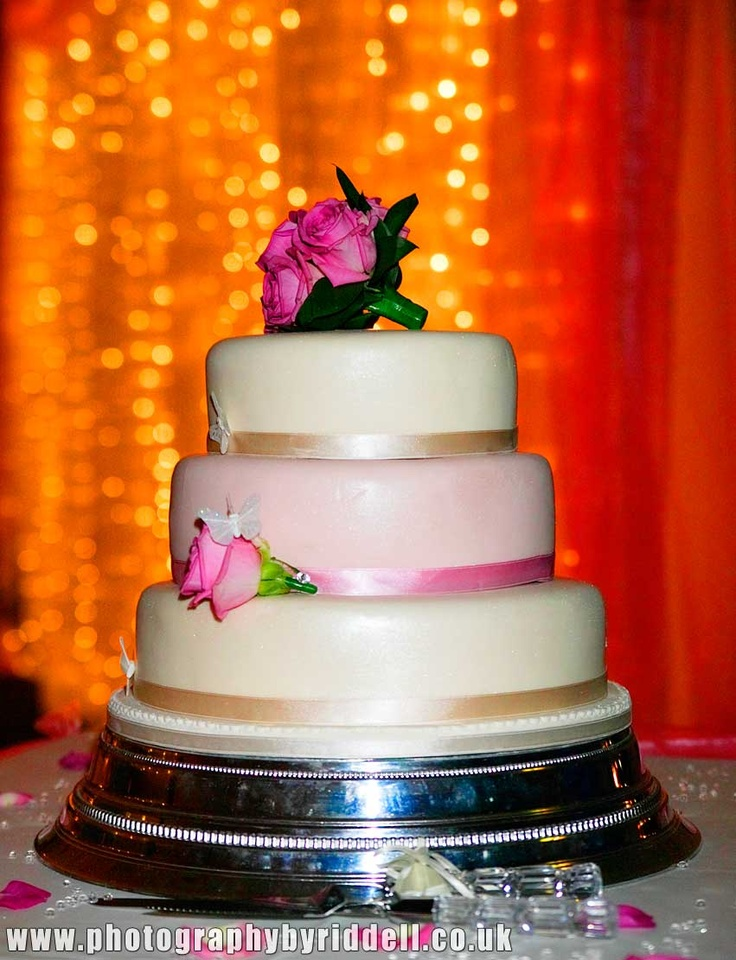 Lovely, simple wedding cake