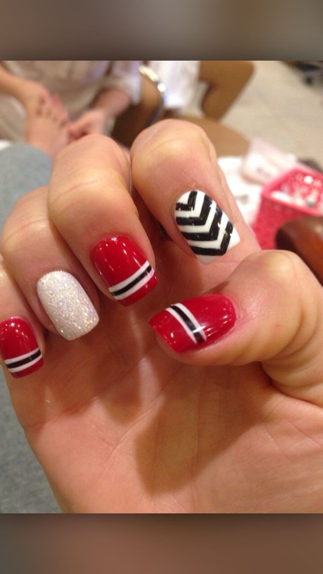 Chicago Blackhawks inspired nails. Nail designs. NHL nails. Hockey Nails. Chicago Blackhawks