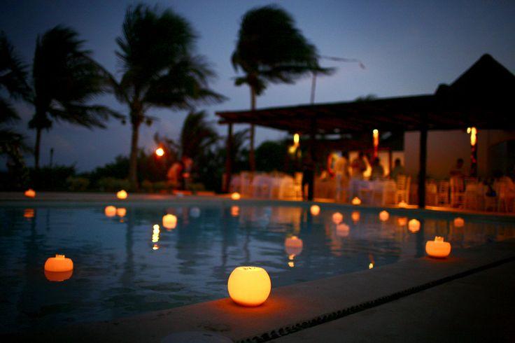 CBA131 Riviera Maya weddings, floating candles, velas flotantes