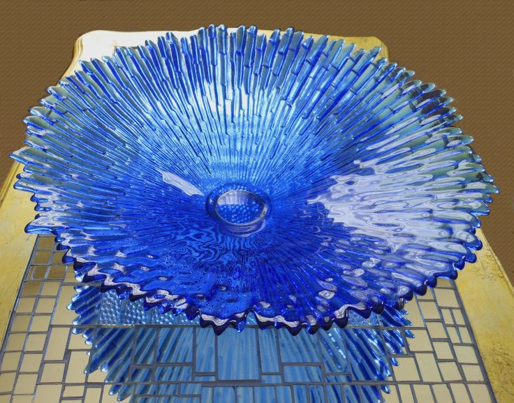 This is a huge Tauno Wirkkala Revontulet glass dish measuring 50cm dia. and dating from 1970s.