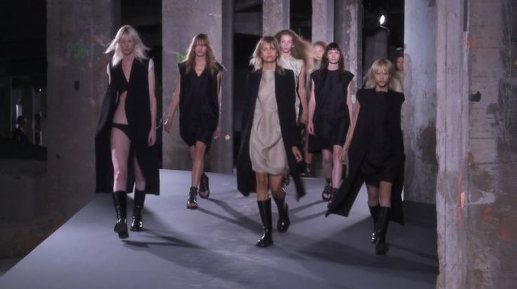 Rick Owens Spring 2016 Ready-to-Wear on video.vogue.com