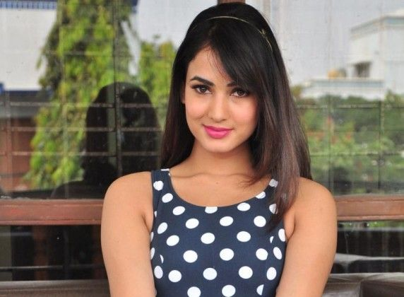 Sonal Chauhan Nite: 40 Best Images About Sonal Chauhan On Pinterest