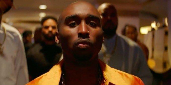 Que marca el 20 aniversario de la muerte del rapero. All Eyez on Me es la nueva película biográfica protagonizada por Tupac Shakur Demetrio Shipp, Jr. (Tupac), Jamal Woolard (Biggie Smalls), y más.…