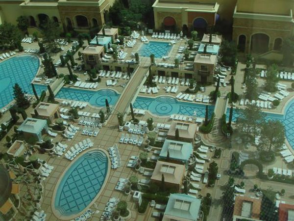 Las vegas wynn hotel swimming pools las vegas pinterest for Above ground pool decks las vegas