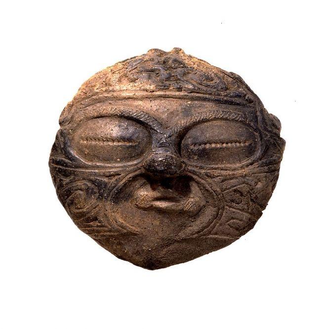 土面(どめん)、 青森県つがる市木造亀ヶ岡出土、縄文時代(晩期)前1000-前400年