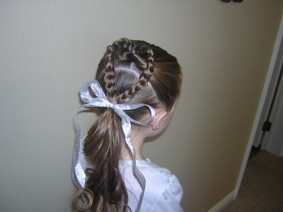 Braided Heart. Such a sweet hairstyle for Valentine's day- or for a flower girl.