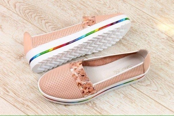 Женские туфли на платформе с перфорацией бежевый