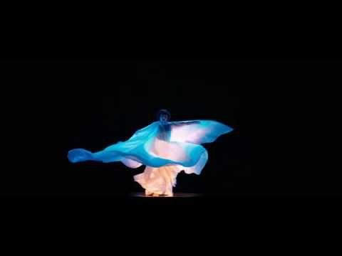 Soko - Loïe Fuller - Extrait La Danseuse. - YouTube