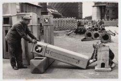 1962  Verkeerszuilen op het terrein van de Westergasfabriek, Haarlemmerweg
