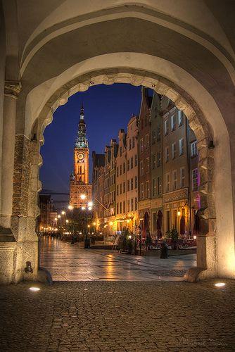 Long Market (Długi Targ) through the Green Gate (Zielona Brama), Gdańsk, Pomerania, Poland