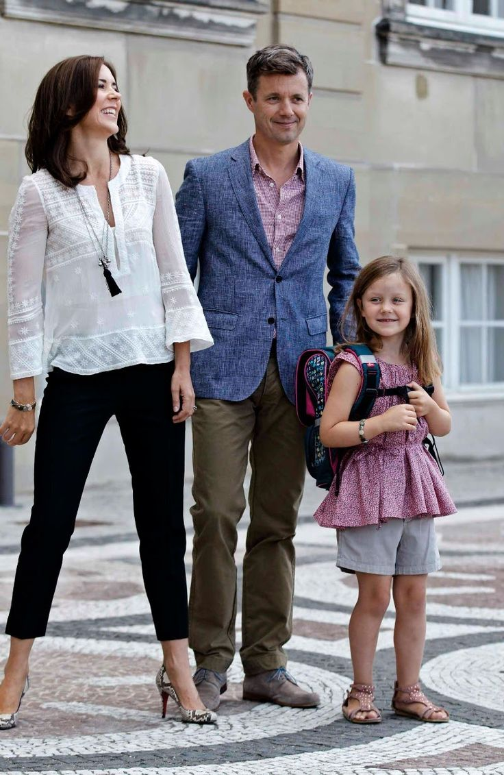 Crown Prince Frederik and Crown Princess Mary pose for photographs with their daughter  Princess İsabella  on her first day of School at Amalienborg Royal Palace.