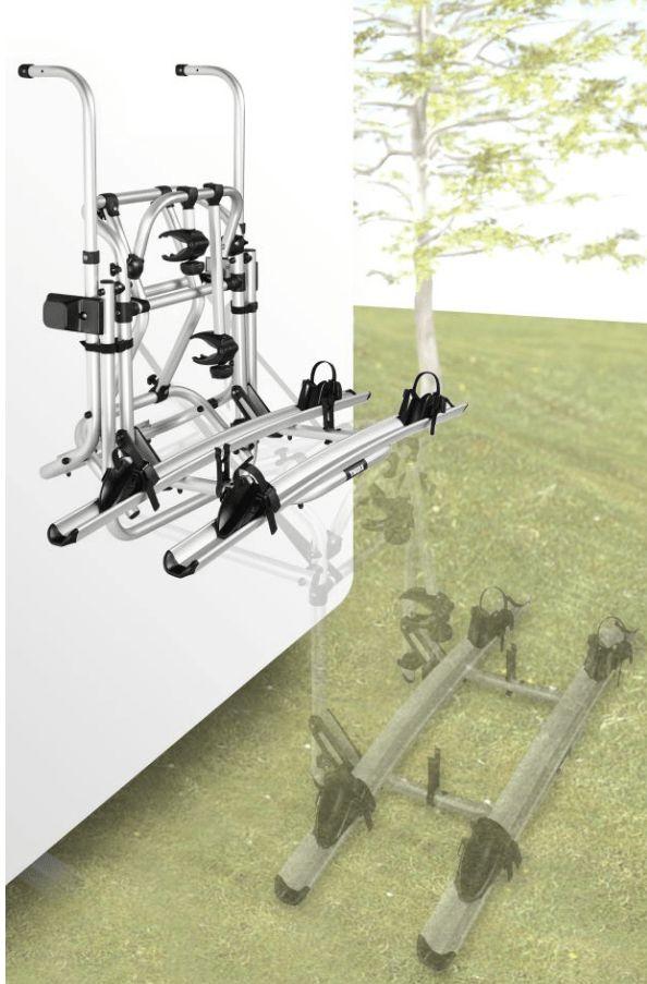 Fahrradträger Thule Omnibike Lift 12 Volt | 4041431895038 – Campingzubehör Fahrradträger Thule Omnibike Lift 12 Volt Fahrradträger für 2 Fahrräder oder E-Bikes mit Tragfähigkeit 50 kg (maximal 30 kg je Schiene) überbrückt eine Höhendistanz von 70 cm. Mit 12-Volt-Motor. In der niedrigsten Position kann man die Fahrräder problemlos auf den gebogenen Schienen mit Felgenhaltebändern mit Ratschenfunktion und mit den abschließbaren Abstandshaltern fixieren. Auf Knopfdruck oder per Kurbelbetrieb fährt man dann den Träger in die Transportstellung; erweiterbar auf 3 Fahrräd… #camping #outdoor #zelten #beach #strand #wintercamping #zeltplatz #caravaning #wohnwagen #urlaub #camp #campingmultistore
