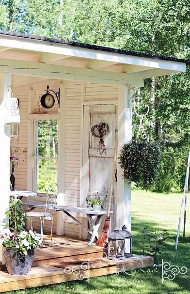 Miss my summer house and would love this at the end of the garden! Perfect summer garden room