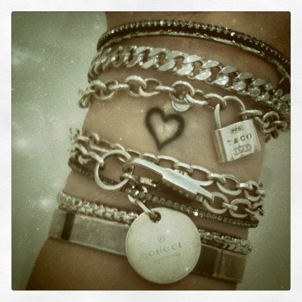 1000 Ideas About Bracelet Tattoos On Pinterest: 1000+ Ideas About Heart Wrist Tattoos On Pinterest